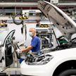 FILE PHOTO: VW re-starts Europe's largest car factory after coronavirus shutdown