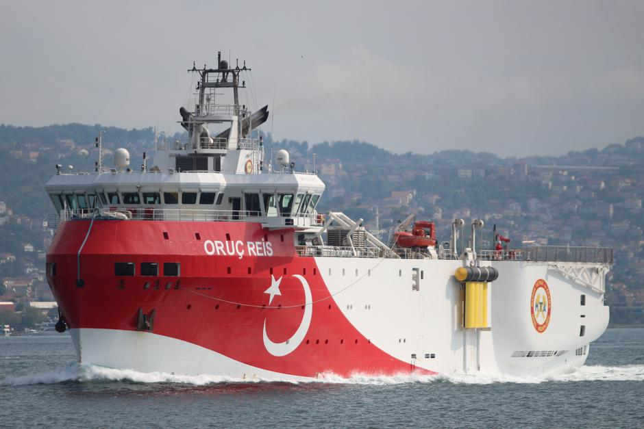 FILE PHOTO: Turkish seismic research vessel Oruc Reis sails in the Bosphorus in Istanbul | Autor : YORUK ISIK/REUTERS/PIXSELL/REUTERS/PIXSELL