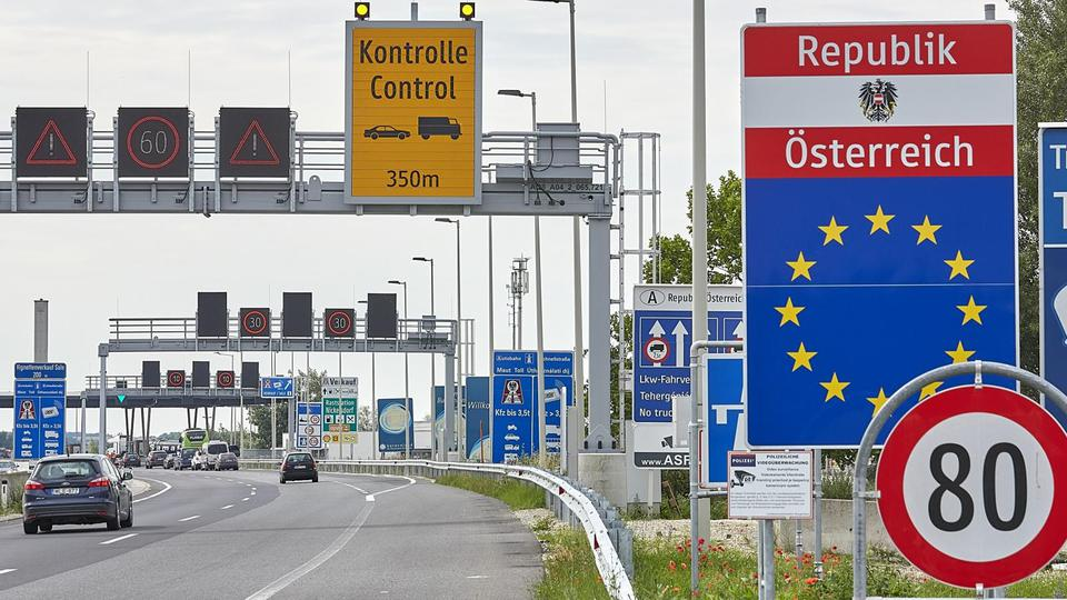 AUSTRIA-NICKELSDORF-BORDER-REOPENING