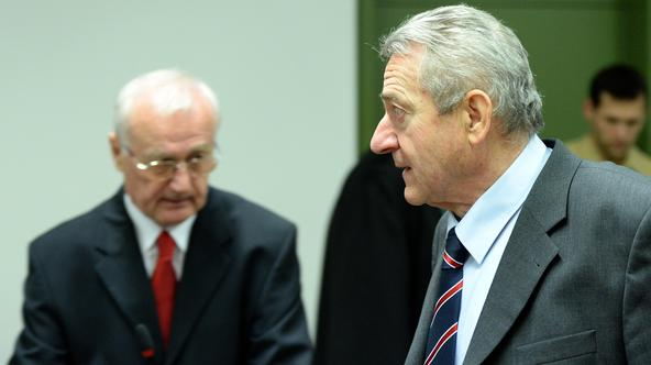 Former General of the Yugoslav secret police, Josip Perkovic (L) and former head of the Yugoslav secret police Zdravko Mustac in the courtroom of the higher regional court in Munich, Germany, 19 November 2014. Perkovic is accused of ordering the assassina