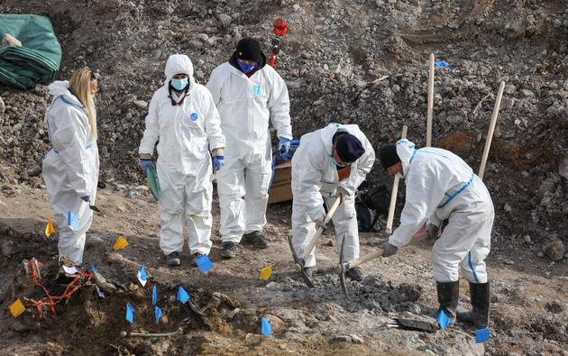 Serbia unearths mass grave from Kosovo war