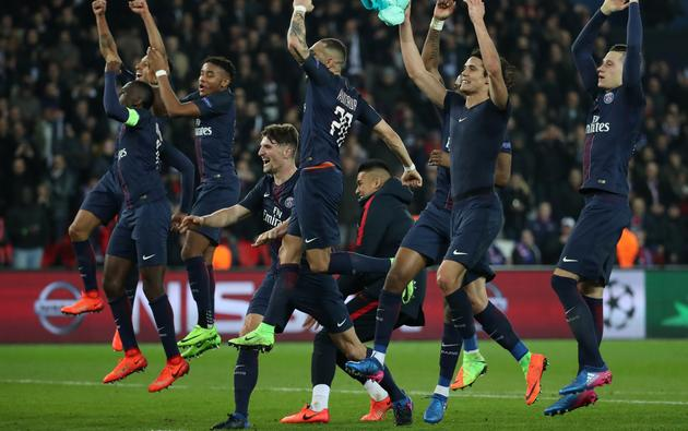 Football Soccer - Paris St Germain v Barcelona - UEFA Champions League Round of 16 First Leg - Parc Des Princes, Paris, France - 14/2/17 Paris Saint-Germain's players celebrate after the game  Reuters / Christian Hartmann Livepic