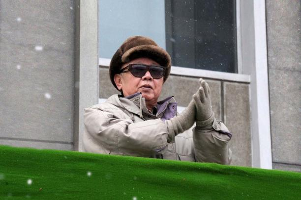 '(FILES) A photo released taken on March 6, 2010 and released by North Korea\'s official Korean Central News Agency on March 7, 2010 shows North Korean leader Kim Jong Il clapping as he attends celebr