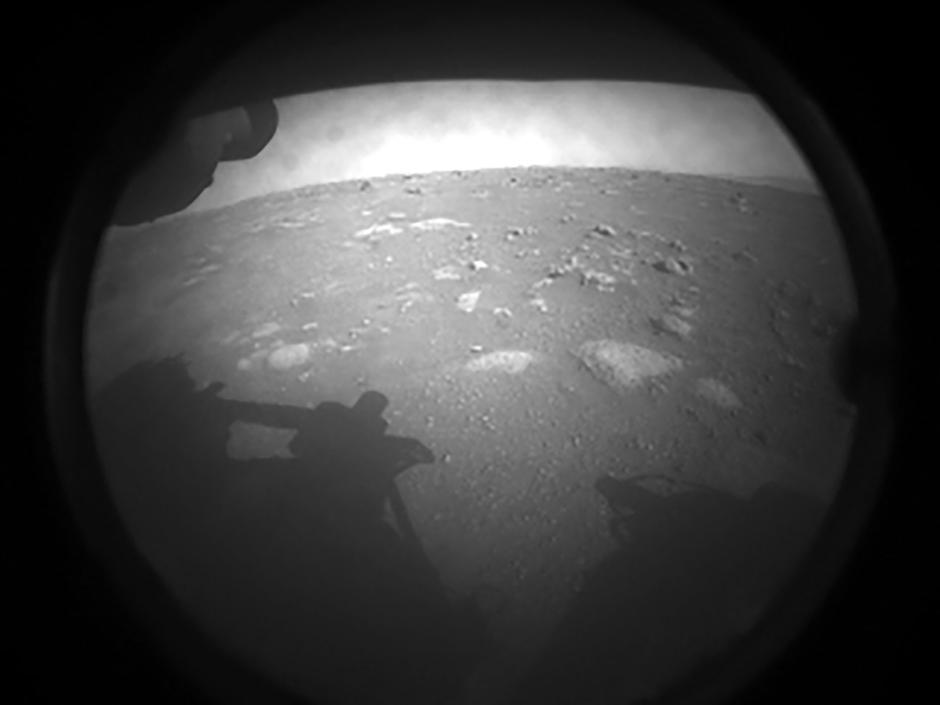 NASA Rover Perseverance Sends Back Its First Image | Autor : ABACA/ABACA/PIXSELL