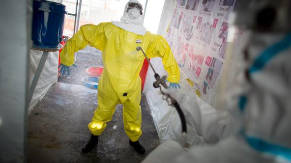 Volunteer Ebola helpers in protective suits prepare for a demonstration of their work at the SITTU (Severe Infections Temporary Treatment Unit) in Monrovia, Liberia, 09 April 2015. German Federal Ministers Groehe and Mueller are traveling to Liberia and v