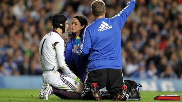 'Chelsea goalkeeper Petr Cech receives treatment for an injury towards the end of the half Photo: Press Association/Pixsell'