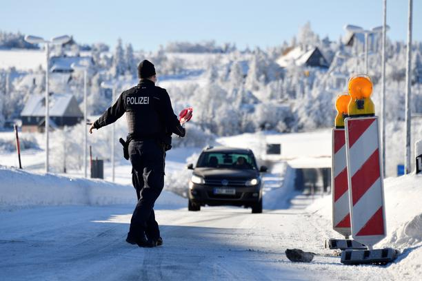 The German-Czech border crossing of Zinnwald in Saxony is closed due to COVID-19 precautions