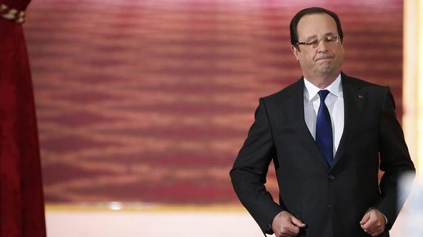 'French President Francois Hollande arrives to deliver a speech at the Elysee Palace in Paris May 16, 2013.   REUTERS/Benoit Tessier (FRANCE  - Tags: POLITICS)  '