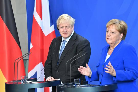 Boris Johnson i Angela Merkel