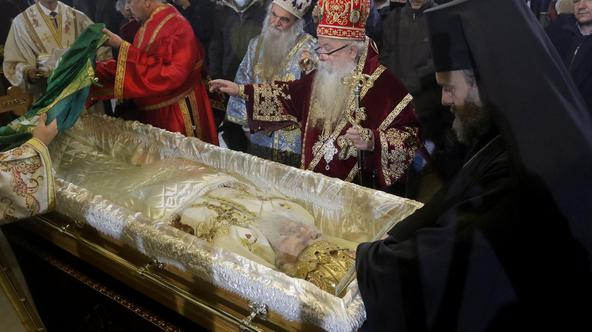 The coffin with the earthly remains of Patriarch Irinej from the Patriarchate of the Serbian Orthodox Church was transferred to the Cathedral in the church of St. Archangel Michael.