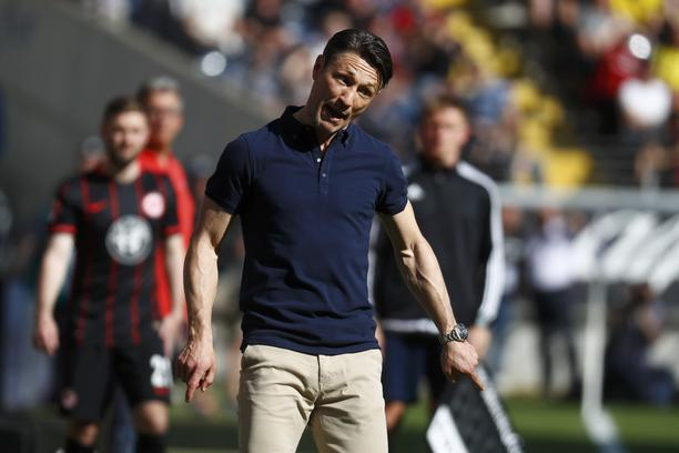 Football Soccer - Eintracht Frankfurt v Borussia Dortmund - German Bundesliga - Commerzbank-Arena, Frankfurt, Germany - 7/05/16 Eintracht Frankfurt's coach Niko Kovac reacts.  REUTERS/Kai Pfaffenbach     DFL RULES TO LIMIT THE ONLINE USAGE DURING MATCH TI