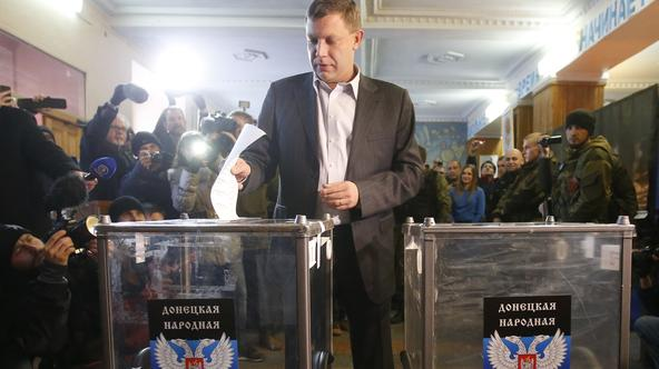 Alexander Zakharchenko, separatist leader of the self-proclaimed Donetsk People's Republic, casts a ballot during its leadership and local parliamentary elections at a polling station in Donetsk November 2, 2014. Pro-Russian separatists will vote to set u