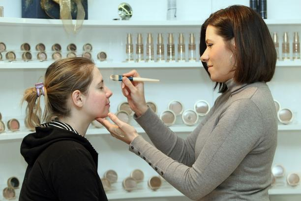 MINERALNA KOZMETIKA MAKE UP ŠMINKANJE