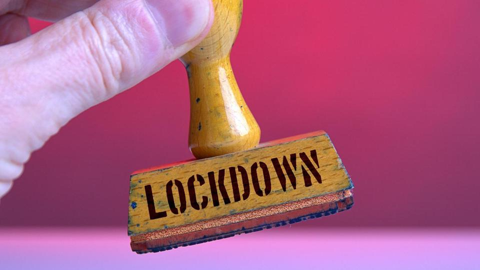 "Symbolic stamp with the inscription ""Lockdown"""