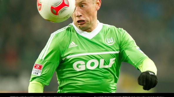 'Wolfsburg's Ivica Olic plays the ball during the German Bundesliga soccer match between VfL Wolfsburg and Bayern Munich, at the Volkswagen Arena in Wolfsburg, Germany, 15 February 2013. Photo: Sebas