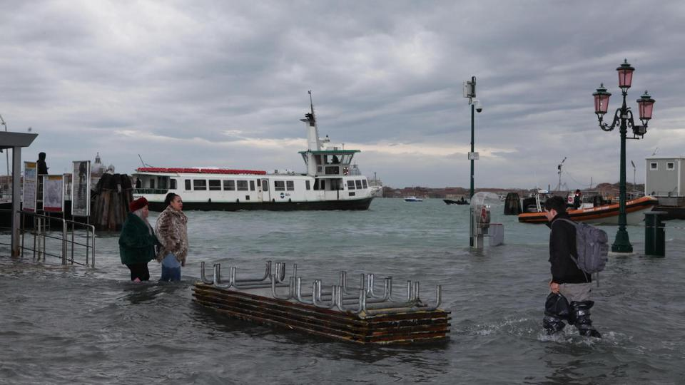 Flood in Venice: high water at 154 cm
