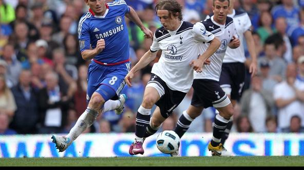 \'Chelsea\'s Frank Lampard (left) and Tottenham Hotspur\'s Luka Modric battle for the ball Photo: Press Association/Pixsell\'