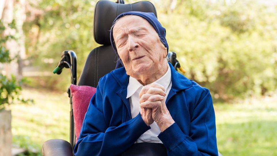Europe's Oldest Person Survives Covid Just Before 117th Birthday - France