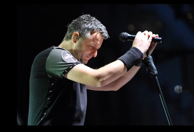 MLADEN PAVKOVIĆ:  Nije Thompson Ceca, pa da može pjevati u Švicarskoj